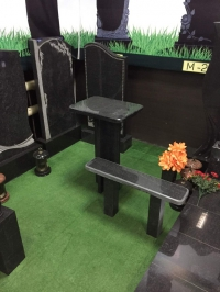 Комплект из гранита, стол и скамейка